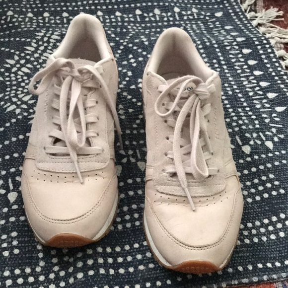 009e32bc3457 Reebok s Women s Classic Suede   Leather Sneakers.  M 5ae08ea32ae12f02a6effe40